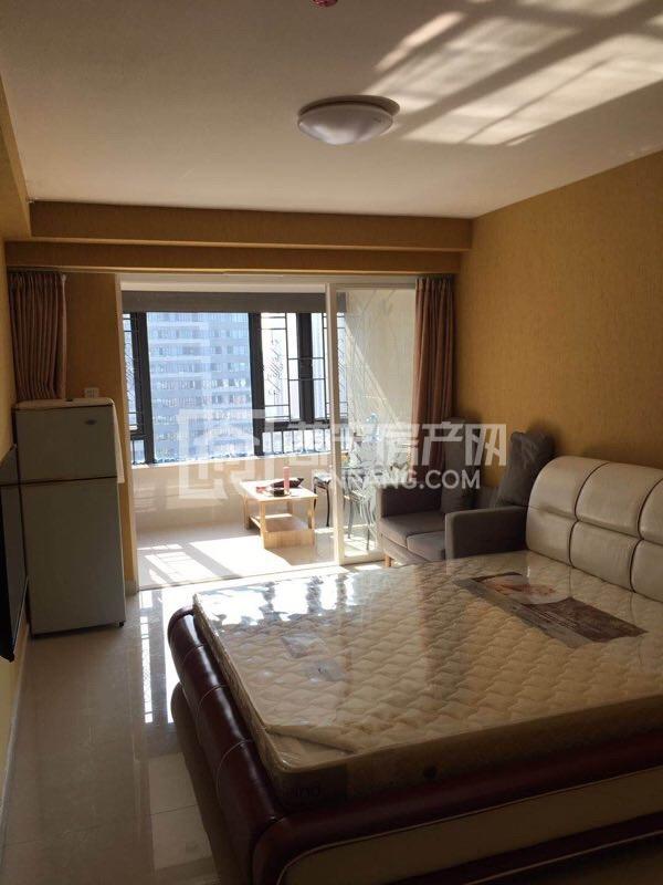 时代中心星座单间精装修带家私家电齐全,月租金仅需1700元,拎包入住,可短租