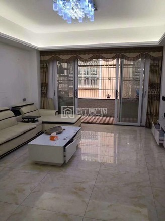 服装城对面,电梯8楼,120平,3房2厅,三面采光,带家私家电,装修雅,售45万