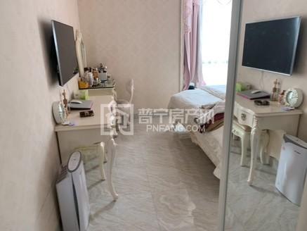 万泰城稀缺户型,150平方3房2厅,欧式精装修,中高雅楼层,仅售178万!
