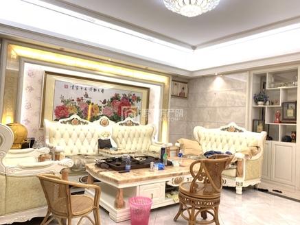 出售万泰城5室2厅3卫220平米275万住宅