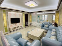 君安里小区 185.8平欧式精装修,家具齐全 未拜神未入住, 价售68.8万。