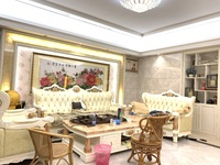 万泰城,220多平,稀缺五房二厅,园心套,室内如图,豪华高质量装修,配有子母车位