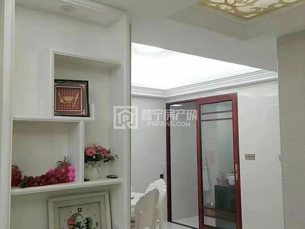 南山二实附近电梯6楼108平3房2全新装修未拜神未入住带家私电出售45.8万