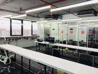 急转租!!!时代中心财富大厦雅楼层,可用于办公室,培训室 室内宽广采光好!