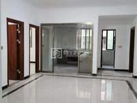 尚堤三期雅楼层145平四房二厅,精装修未拜神未入住,业主出门在外发展,售价62万