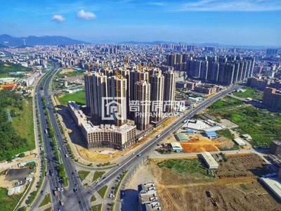 出售桂荣名轩 4栋02户中低楼层162平 原价7700 喝茶9万