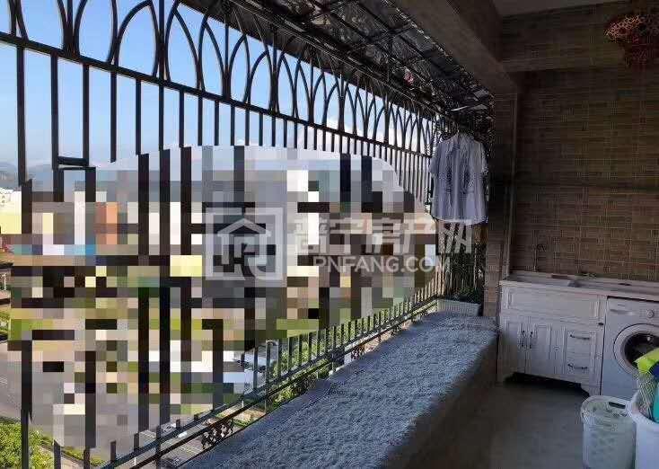 康美福临门正对面 新河边 电梯13楼 不是顶层 全屋欧式豪华装修风格 现价78万