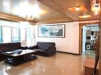 二中操场广湖园附近 步梯发财楼 精装修带家私电 格局雅无暗房 另带车位一个