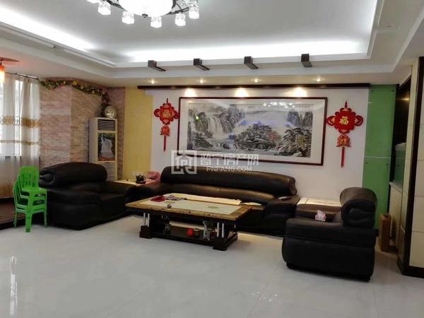 中华新城复式出租,带家私家电,露台雅雅,业主搬去御景城住,发财楼来出租,手慢无。
